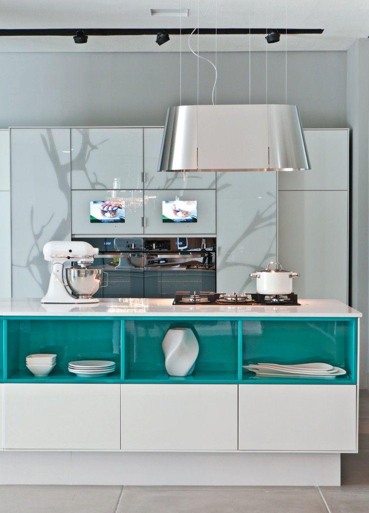 Бирюзовая кухня: оптимальный цвет в интерьере, бирюзово-коричневый интерьер.