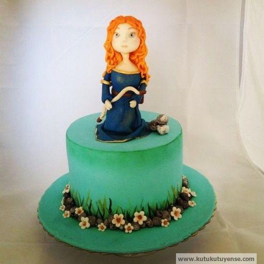 Brave Merida Cake  http://www.kutukutuyense.com http://www.facebook.com/kutukutuyense http://www.instagram.com/kutukutuyense