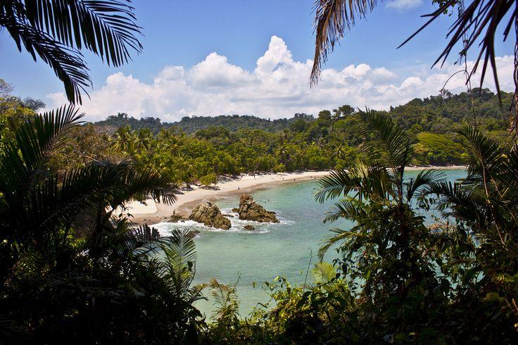 Resultado de imagen de Playa Manuel Antonio