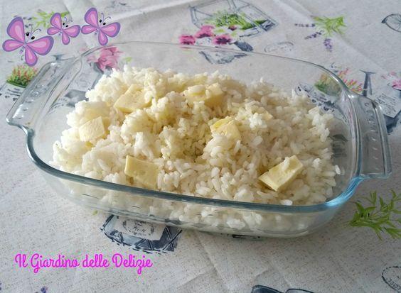 Riso bianco al microonde è un modo per cucinare il riso come un primo piatto, o come base per altre preparazioni, minestrone, insalata di riso....