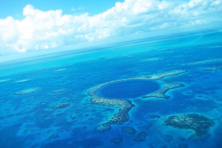 ベリーズ珊瑚礁保護区とグレート・ブルー・ホール   ベリーズの世界遺産