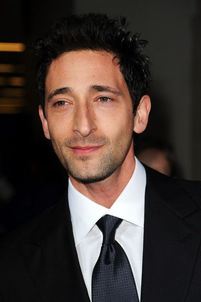 Adrien Brody Photos - Actor Adrien Brody arrives at the 25th Film Independent's Spirit Awards held at Nokia Event Deck at L.A. Live on March 5, 2010 in Los Angeles, California. - 25th Film Independent Spirit Awards - Arrivals