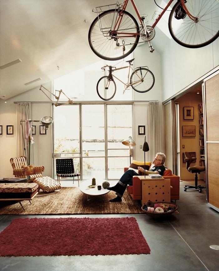Sem lugar para guardar sua bicicleta? Que tal no teto? Bicycle Storage at David Baker's San Francisco Loft