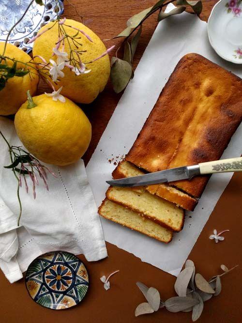 Budín de limón y mascarpone. Suave, perfumado, húmedo y delicioso Scones, Cupcakes, Food Styling, Camembert Cheese, Dairy, Baking, Ethnic Recipes, Lemon Cookies, Easy Cooking