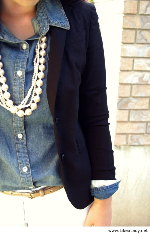 I LOVE the denim shirt paired with the blazer, & the chunky pearls are beautiful with it!
