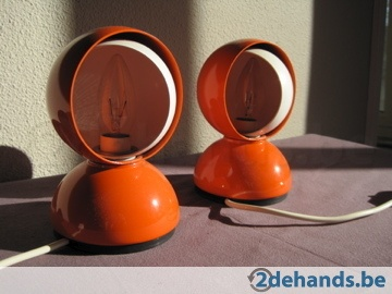 http://www.2dehands.be/huis-meubelen/curiosa/60-s-70-s-space-age/2-oranje-vintage-lampen-artemide-136273827.html