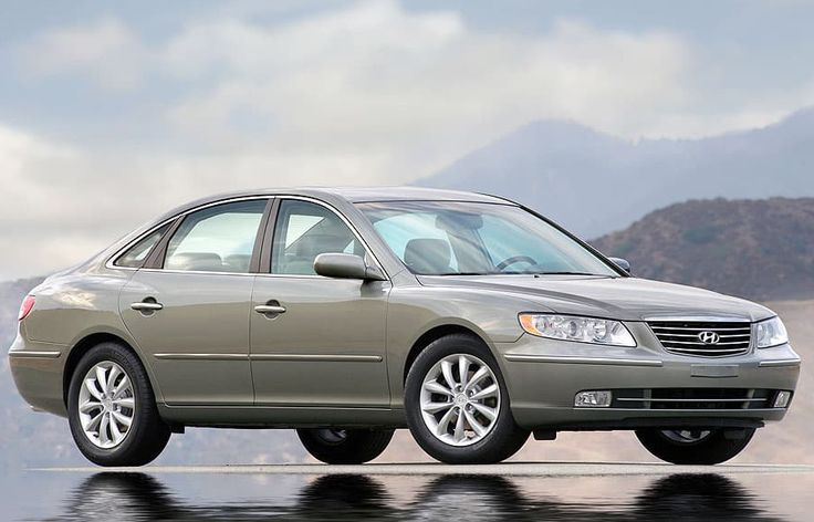 2007 Hyundai Azera Owners Manual –The Hyundai Azera returns for 2007 with just a few of minor changes and a new entrance-degree GLS cut. The electroluminescent instrumentation in Restricted models has a cleaner design this year. Additionally, all models now get standard...