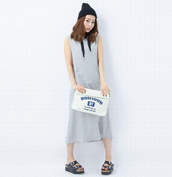 ノースリーブのフード付きマキシ!春夏のファッションアイテム パーカーワンピのコーデアイデアを集めました♡