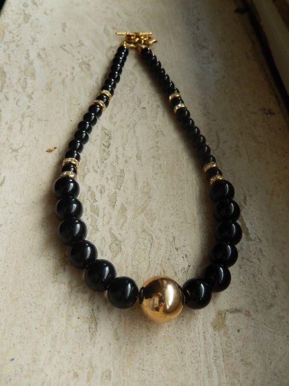 Girocollo perle di vetro nero di Tuttelefaccedelrosa su Etsy
