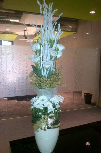 Tall winter centerpiece - Eustoma, Gold Gypsophilla, Chrysanthemum