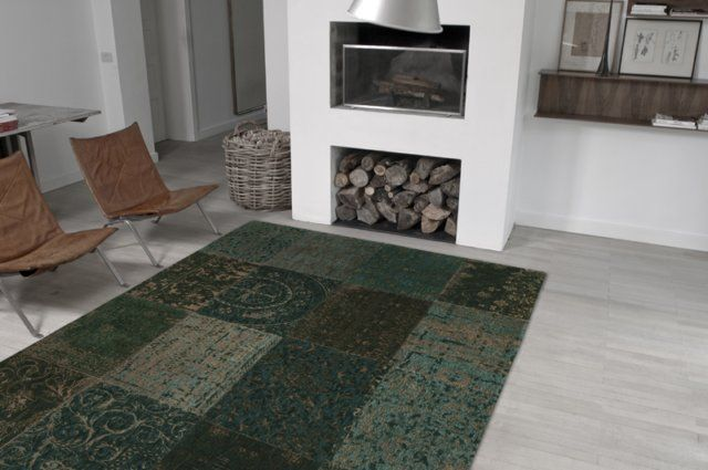 19. Zeer groot patchwork vloerkleed donkergroen 280 x 360 cm € 1.227,-