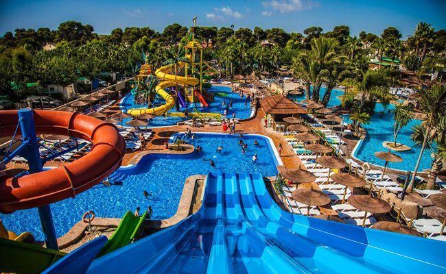 Camping Y Bungalows Con Parque Acuático En Alicante Acamparenlaplaya Acuático Alicante Bodae Acampar En La Playa Parque Acuatico Campamento Al Aire Libre