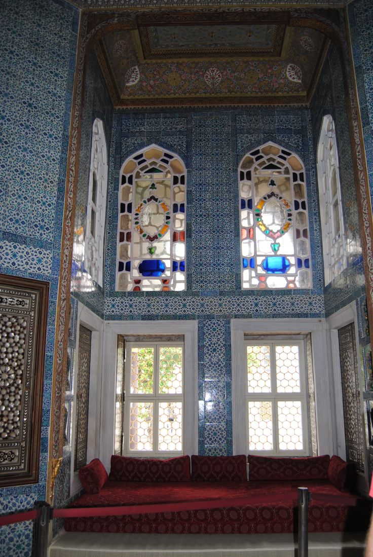 one of the harem rooms! at the end of my journey i finally got to visit it because i begged so much! when i visited it was so great! i was so shocked that suleiman actually build such amazing things and brought it to life :D
