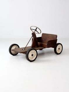 vintage toy riding car                                                                                                                                                                                 Mais