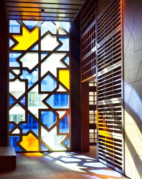 modern stained #glass / The Souk, Abu Dhabi Central Market by #Foster+Partners #pattern