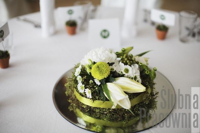 zielona kompozycja na stoel weselnym