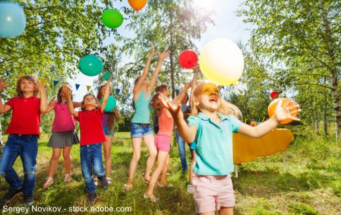 ᐅ 20 Spiele Fur Den Kindergeburtstag Ohne Verlierer Kinder