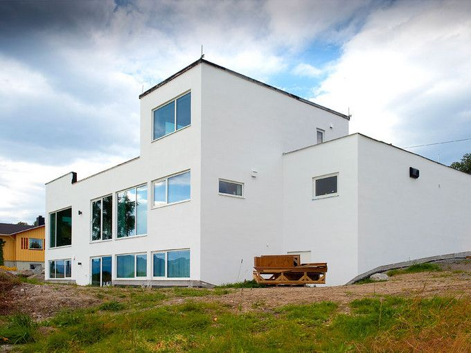 Funkis i Sortland - murhus - pusset fasade - Leca
