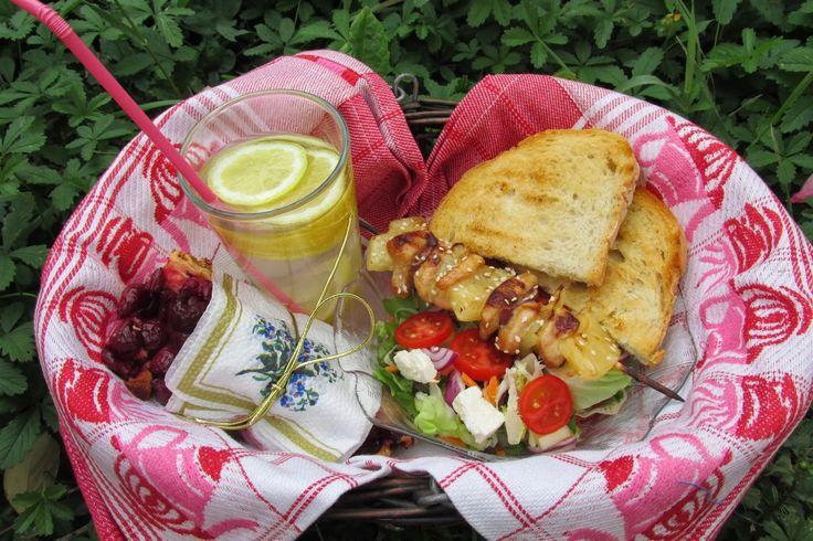 Ancika konyhája: Teriyakis- ananászos csirkenyárs salátával: