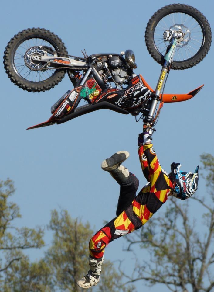 Gabriel Villegas #motocross #motosports #moto-masterusa #matrixracing #dunloptires #braking #factorybacking #axo #sunstar #twinair #asterisk #gopro #bellhelmets #acerbis #xtremespots