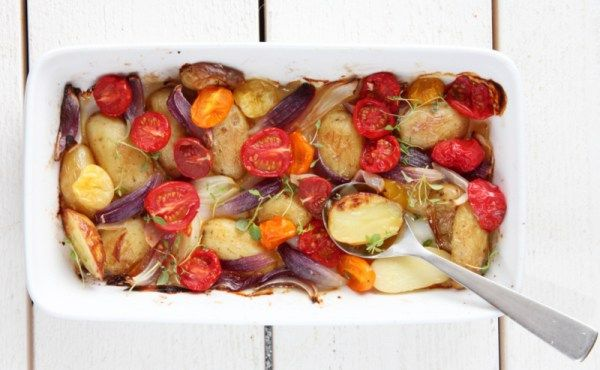 varm potetsalat med tomater