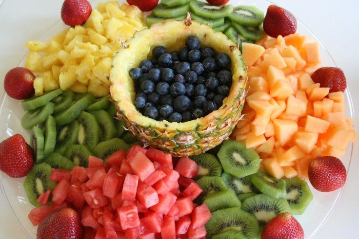 Beautiful Pictures Of Healthy Food:  Fruit Platter (Neat Idea!)