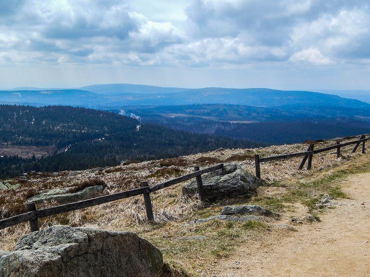 Auf dem Brocken im Harz. Faszinierende Aussicht.  www.treat-of-freedom.de  Abenteuer * Individualreisen * Bushcraft * Outdoor * Natur