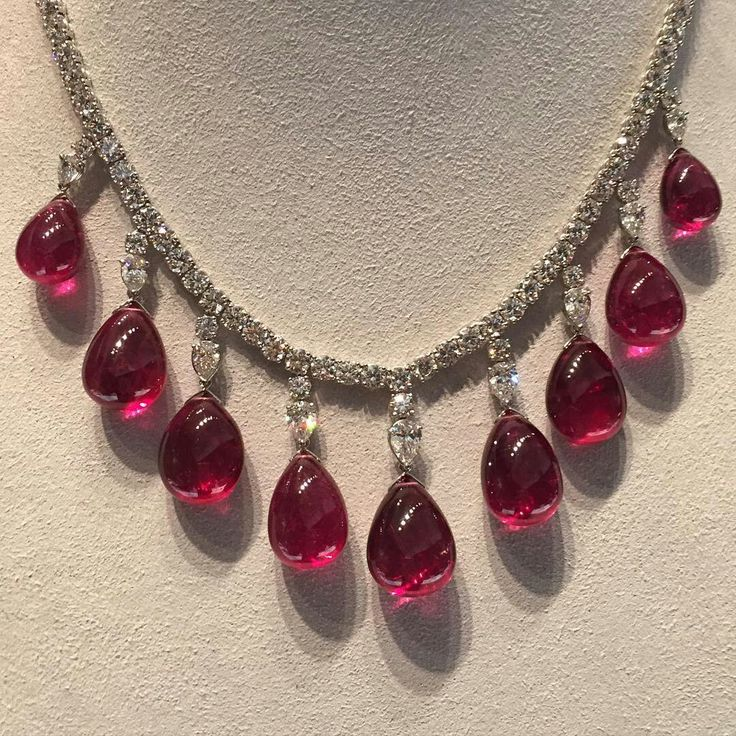 #christiesjewels New York Magnificent Jewel sale...Perfect piece for the holiday season for your love one!