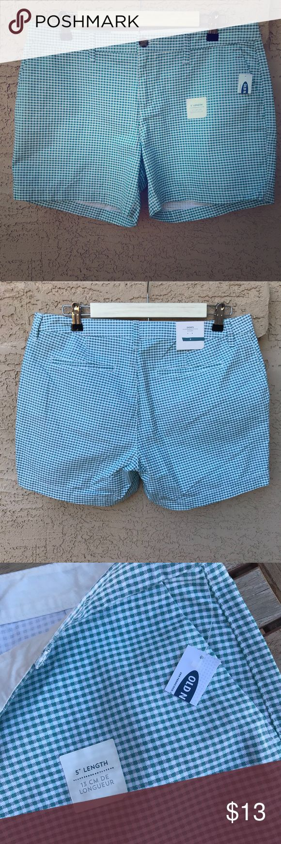 """🆕 Old Navy Green Gingham Womens Shorts NWT Size 8 Super cute light green and white check gingham pattern. These Old Navy shorts are brand new with tags (one tag is cut where price was but others I have were $22.94), size 8 with a 5"""" inseam. The overall width at the top opening is about 17"""" wide. Please inspect photos and comment/message with questions, offers, or bundling! Thanks for looking.  Old Navy Green Gingham Shorts NWT Size 8  © 2018 YUNADEE STUDIO ALL RIGHTS RESERVED Old Navy…"""