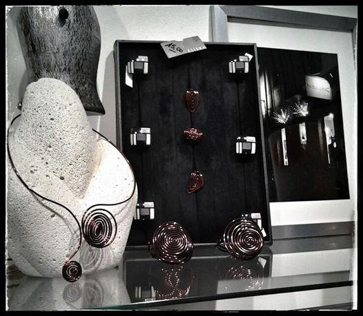 """Collana, bracciali e anelli in rame linea """"hand made in To"""" Anelli ZSISKA collezione Omage"""