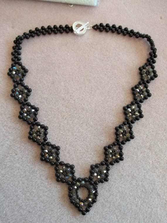 Lady in Waiting Necklace #Seed #Bead #Tutorials