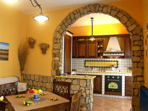 Cucine in muratura rustiche e moderne - Cucina in muratura, l'arco