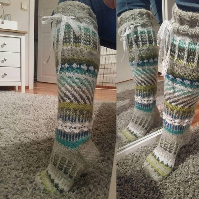Toinen pari #anelmaiset sukista valmis
