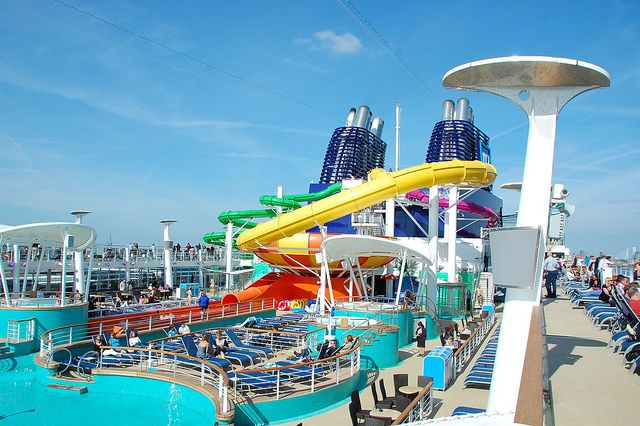 Norwegian Epic is the biggest #NCL #CruiseShip and packs tons of awesome features for the ultimate vacation #NCL freestyle cruising