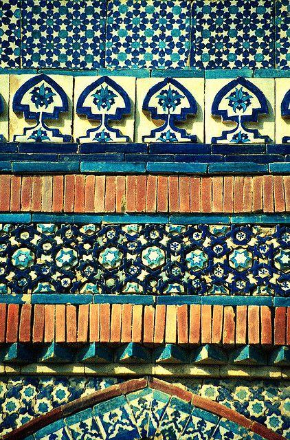 Islamic mosaic tilework at the Sufi Shrine, Urch Sharif-Pakistan | Flickr - Photo Sharing!