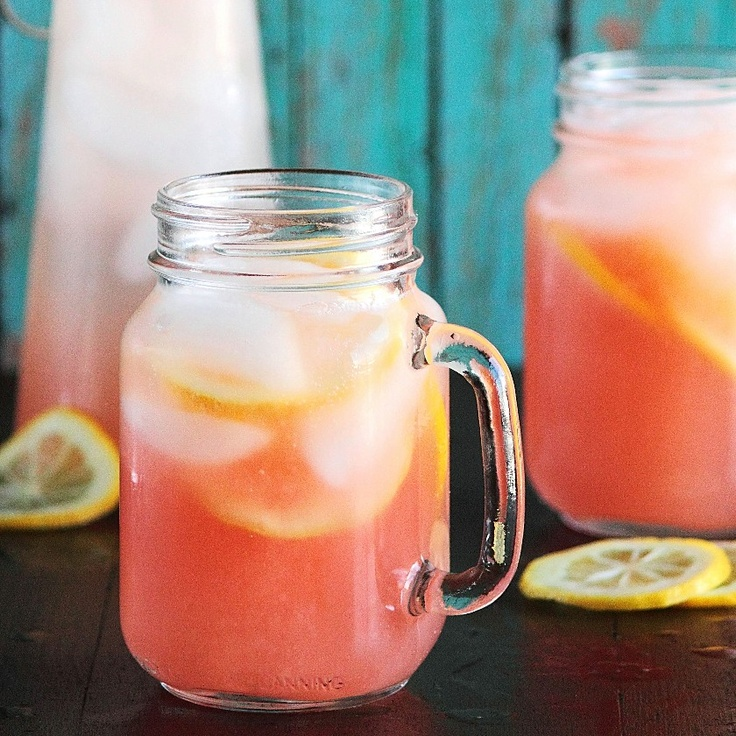 Grapefruit Soda with Vodka: Lemon Limes, Summer Cocktails, Summer Drinks, Pink Drinks, Fresh Grapefruit, Recipes, Grapefruit Sodas Cocktails, Pink Lemonade, Homemade Grapefruit