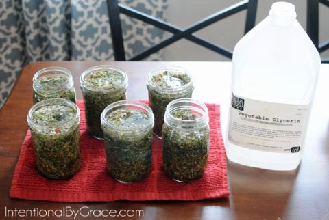 How to Make Your Own Herbal Tincture!