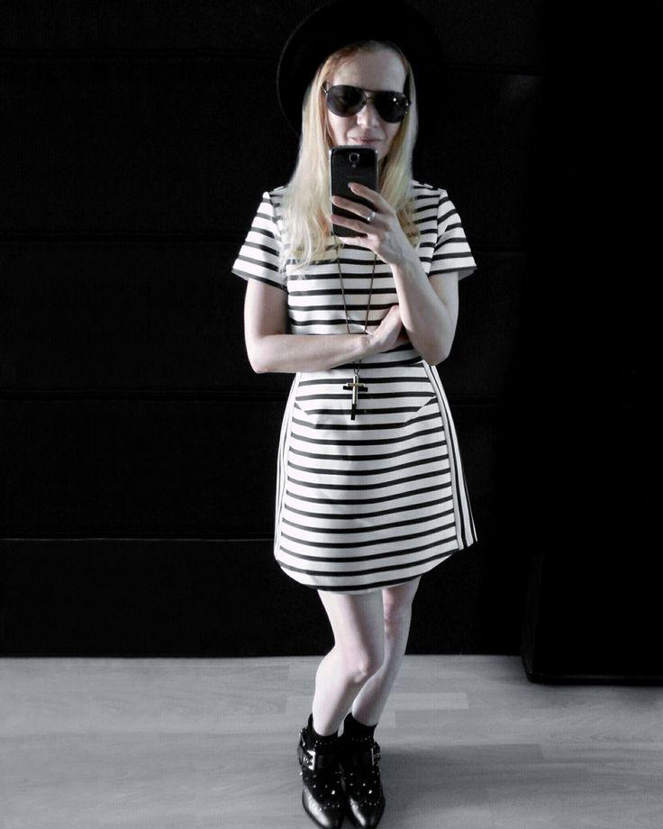 black white pattern print minimal satin stripe dress topshop