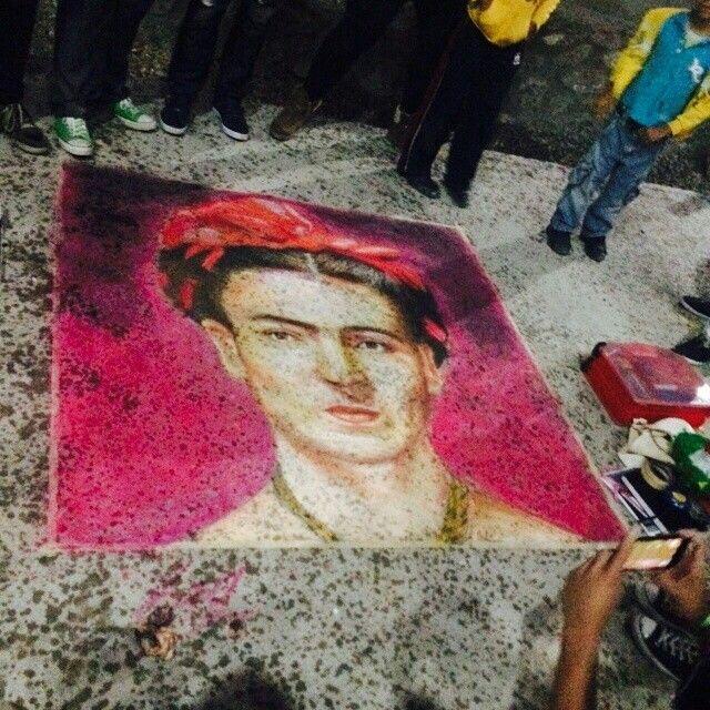 #FridaKahlo #streetpainting #madonari #paint #pastel #CdJuarez