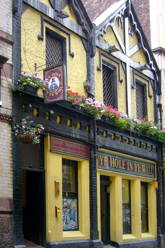 Ye Hole in Ye Wall, oldest pub in Liverpool, established 1726