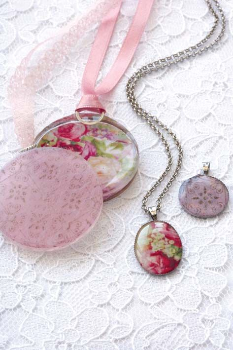 Round pendants - resin cast in chocolate molds - lace and pretty images - #Jewelry #Resin