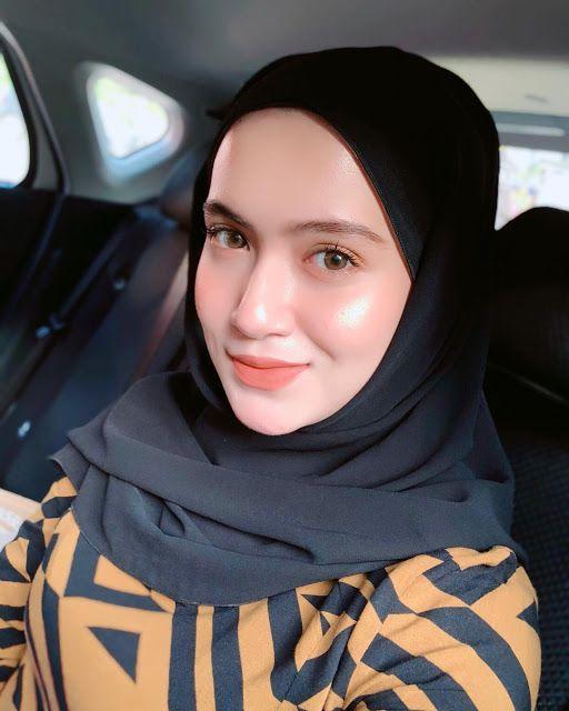 Pin by XFier Xman on Beauty girl in 2020 | Beautiful hijab