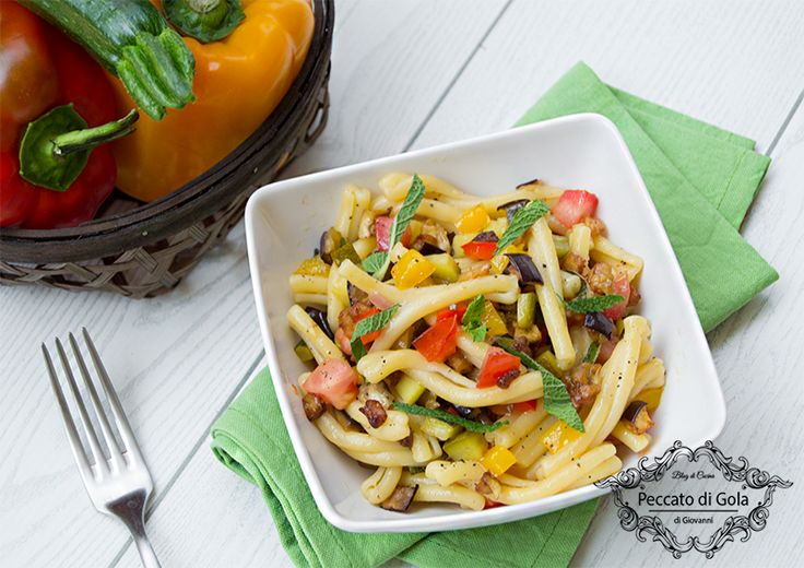 Pasta+fredda+con+caponata+di+verdure