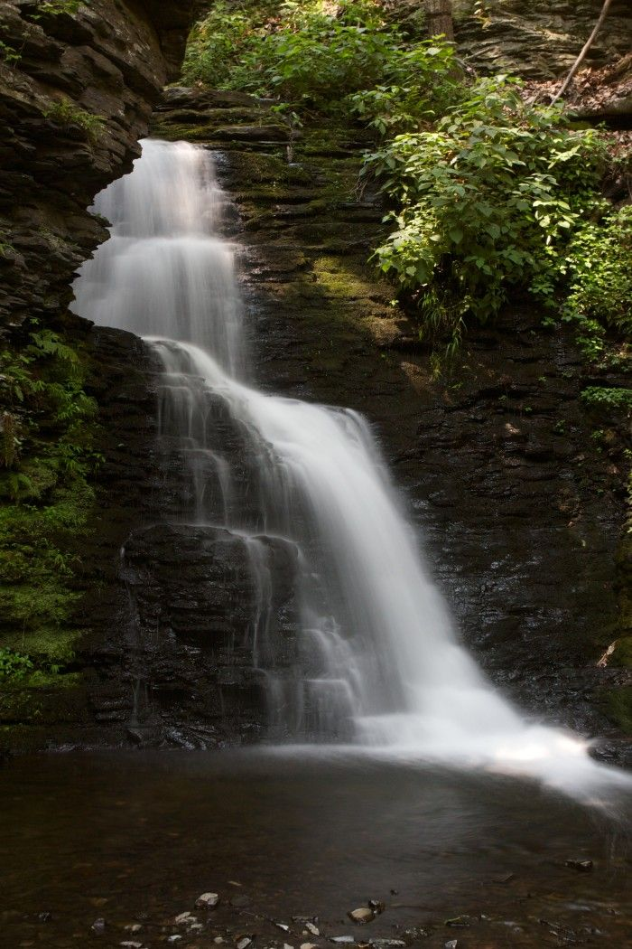 Popular Hikes In Pennsylvania http://www.onlyinyourstate.com/pennsylvania/hikes-under-5-miles-pa/