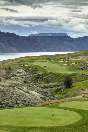 Canadian Golf Magazine named Tobiano Golf the # 6 course in Canada, and Golfweek called it the # 8! #GolfCourseOfTheDay | Rock Bottom Golf #RockBottomGolf