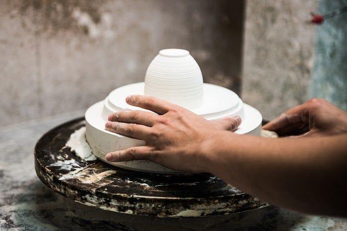 J.L Coquet haute porcelaine de Limoges  Moulage des pièces