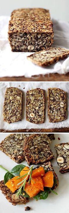 Chléb, který změní váš život - DIETA.CZ 135 g slunečnicových semínek 90 g lněných semínek 65 g lískových oříšků nebo mandlí 145 g ovesných vloček 2 lžíce chia semínek 4 lžíce psyllium - celá semínka (semínka jitrocele indického) 2 lžičky kvalitní mořské soli 1 lžíce javorového sirupu nebo medu 3 lžíce rozpuštěného kokosového oleje (za studena je tuhý) nebo ghee (vícekrát přepuštěné máslo - používané v Indii) 350 ml vody
