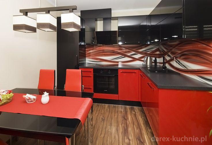 Kuchnia w czerwieni i czerni