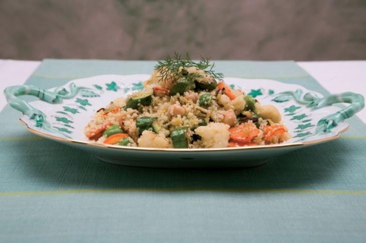 CASCA' così chiamato alla calasettana o cous cous alla carlofortina, è un piatto tipico della gastronomia tabarchina. La cucina tabarchina nasce dall'incontro della tradizione ligure con quella del mondo nord – africano e della Sardegna, arricchita anche da apporti siciliani.
