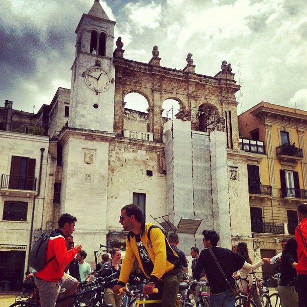 Photo by @igersbari #discoveringpuglia a #Bari, in piazza Mercantile.
